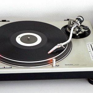 Technics SL1200 MK2 Turntable-0